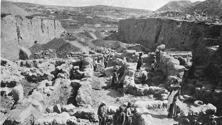 Side-Lights from the Mound of Gezer – R A S Macalister